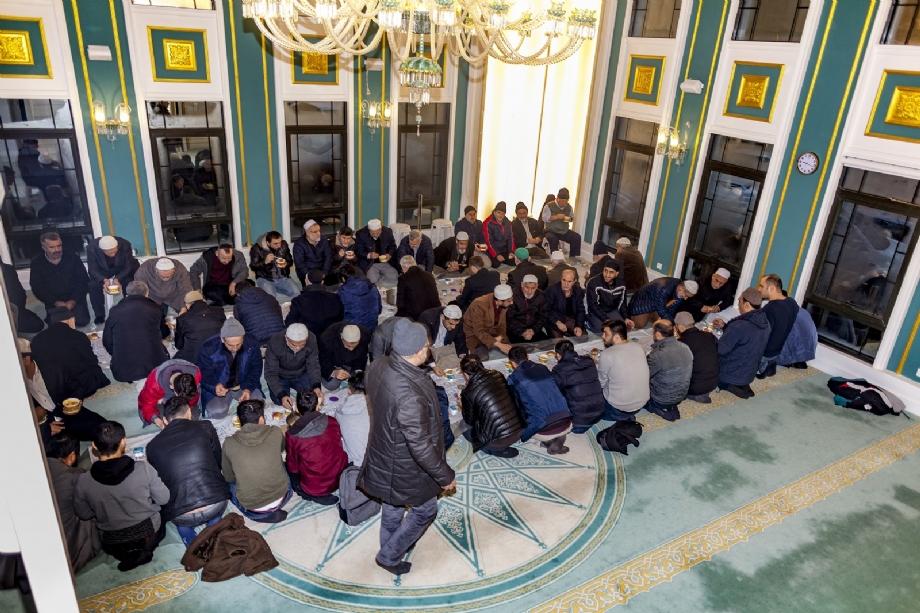 Üsküdar'da İkev İlahiyat Yurdu Camiinde Şifa-i Şerif Dersleri Üçüncü Yılında - HABERLER - İKEV - İlim Kültür ve Eğitim Vakfı